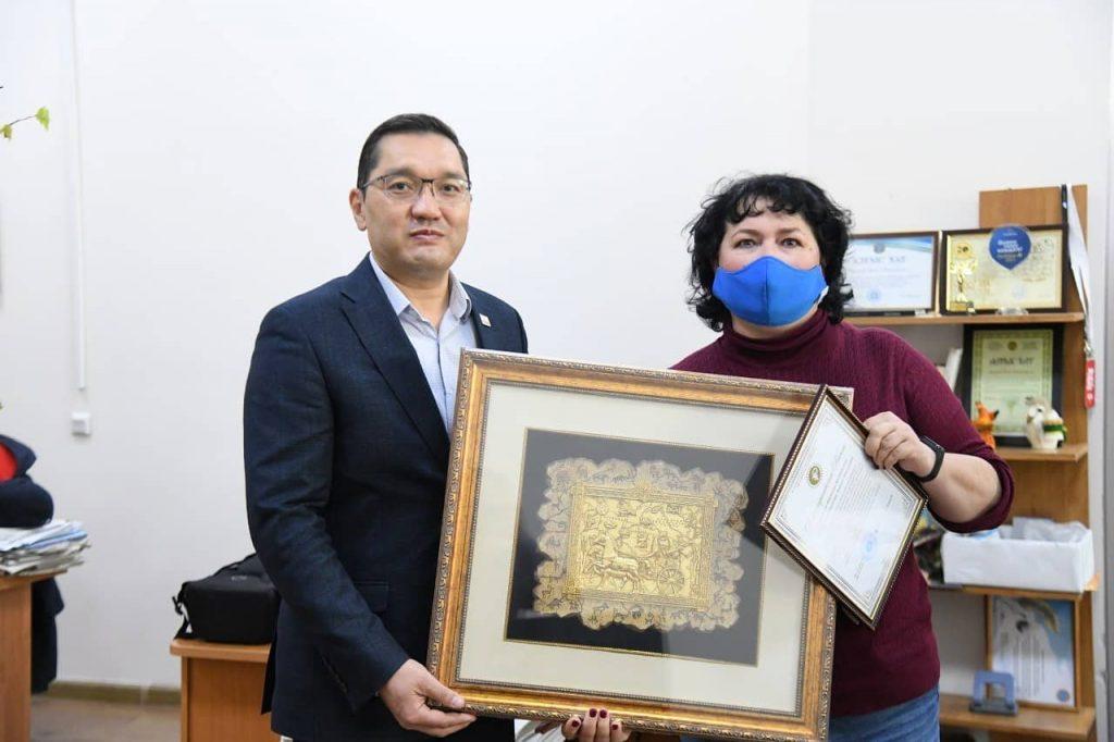 Благодарность к 30-летию изданий Astana aqshamy и «Вечерняя Астана»